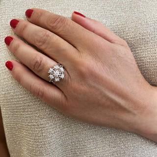 Alliance or gris 18k avec 1.87 Cts de Diamants Brillants G-VS. Taille 53.