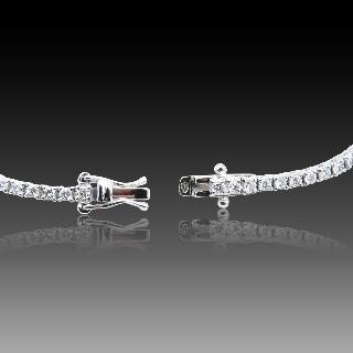 Montre dame Art Déco en platine avec 2.30 Cts de diamants taille ancienne