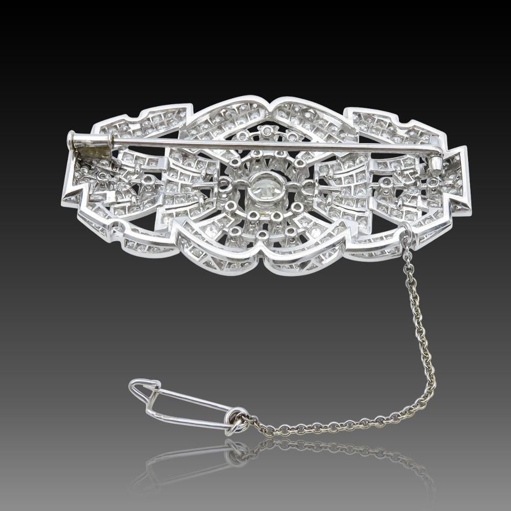 """Bague Boucheron """"Déchainé"""" Vers 2012 avec Diamants et Or gris 18k. Taille 52"""