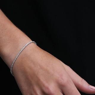 Boucles d'Oreilles Pendantes en or gris 18k avec Onyx, Rubis et Diamants.