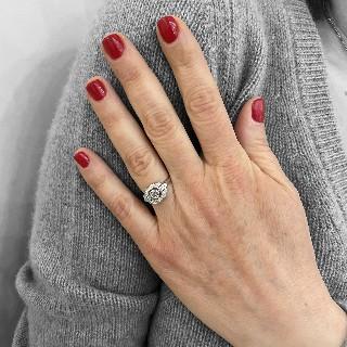 Alliance or gris 18k avec 2.90 Cts de Diamants Brillants G-VS. Taille 54.