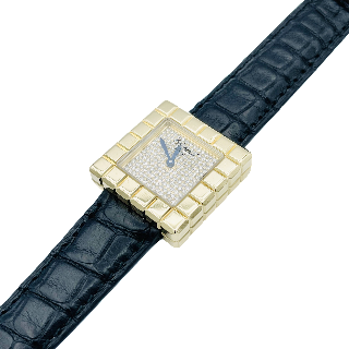 Montre Angelus Vintage Chronodato Triple Date Or jaune 18k mécanique Vers 1945.