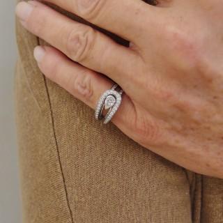Bracelet Hermes Métal Doré Rigide ouvert avec cuir rouge .