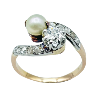Bague en or jaune 18k avec saphir de Ceylan et diamants .