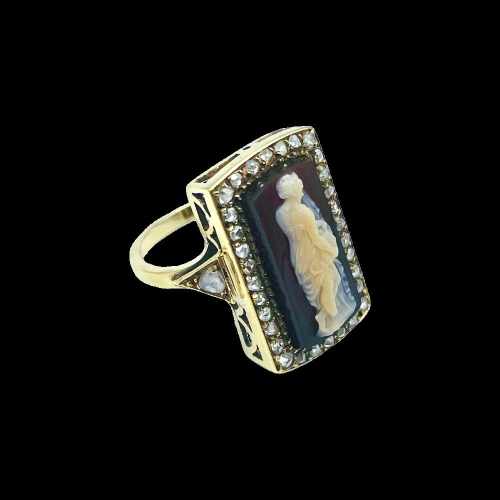 """Collier """"Cible"""" moyen modèle signé DINH VAN en or gris 18 carats avec diamants"""
