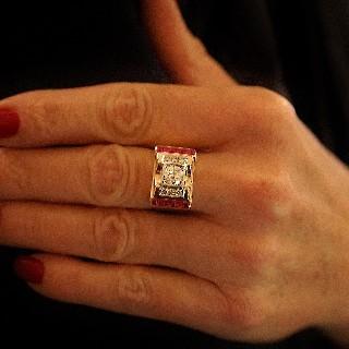 Puces d'oreilles Diamants 2 x 0.71 Cts Qualité J-SI en Or Gris 18k