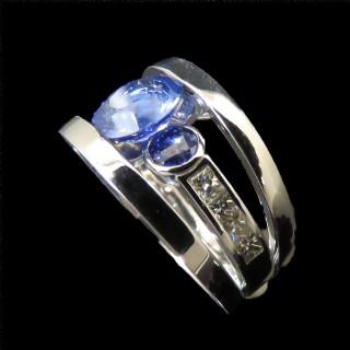 Solitaire en platine massif avec Diamant brillant  2.71 Cts F-SI1 + 0.39 Cts.