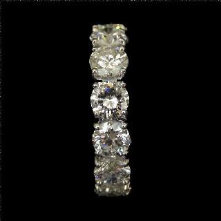 Bague en or jaune 18k avec saphir fin et diamants .Taille 50