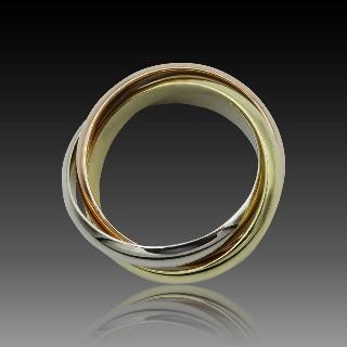 Bague en or gris 18k avec saphir fin et diamants .Taille 52-53