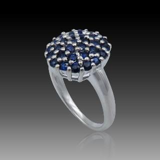 Parure Comprenant broche et Boucles oreilles  en or 18k  et platine diamants vers 1950