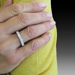 Solitaire en Or gris 18 Cts avec Diamant brillant 0.66 Cts K-SI1 + 0.24 Cts.