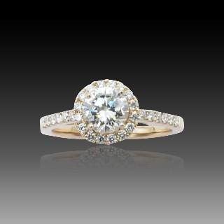 """Bague """"Entourage"""" Or gris 18K, Saphir Ceylan Naturel  et Diamants."""