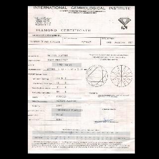 Puces d'oreilles Or gris 18k avec 2 Diamants brillants 0.48 Cts et 0.46Cts. D-E et VVS2/SI1
