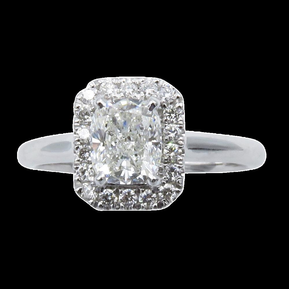 Solitaire en or gris 18k avec Diamant Coussin de 0.90 Ct G-VS2 .Certificat GIA.
