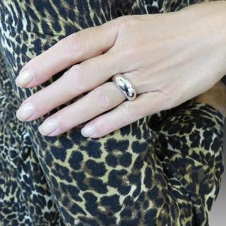 Collier pendentif Dolce Gabbana en oa jaune 18k avec Saphirs et Perle de Culture .