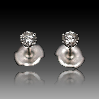 Puces d'oreilles Diamants 2 x 0.27 Cts Qualité G-VS en Or Gris 18k