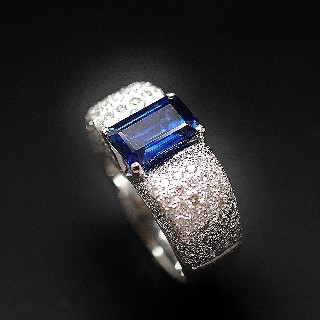 Bague Saphir Siam Non Chauffé 3,26 Cts + Diamants 2,50 Cts, Or gris 18k.