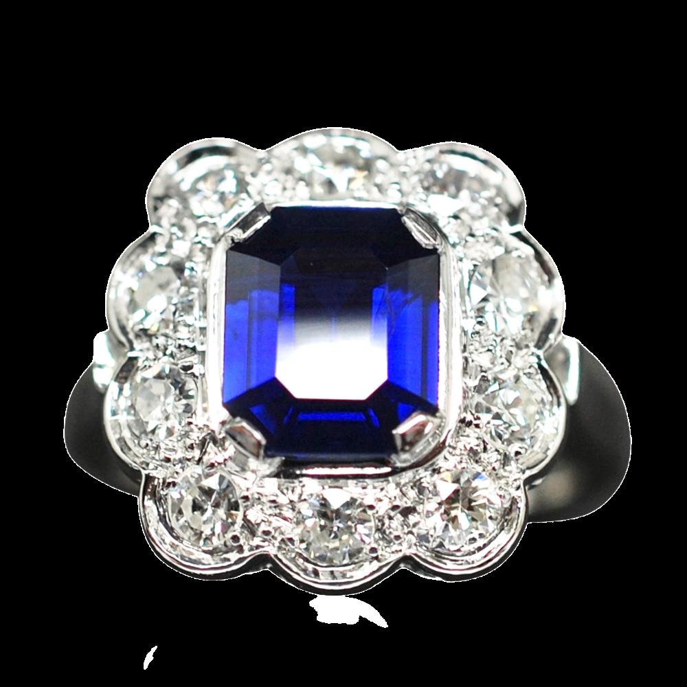 Bague entourage en Or 18K et platine vers 1950, Saphir Siam et Diamants.
