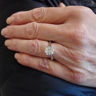 Solitaire en or gris 18k avec Diamant de 2,01 Ct L-VVS2 (HRD)  Taille 55