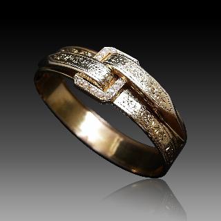 Bracelet jonc ouvrant ciselé Napoleon III en or 18 carats et demi perles fines