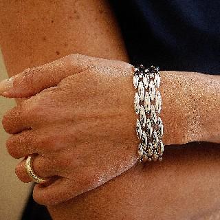 Bracelet Cartier Motif Epis 5 rangs en Or gris 18k. vers 1990.