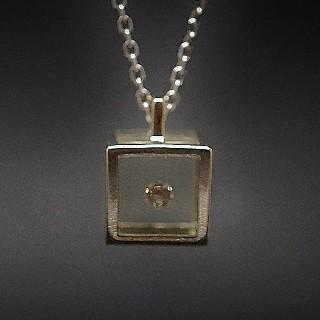 """Collier Pendentif """"Le Cube"""" Pascal Morabito et Victoria Casal en Or gris 18k et Diamant"""