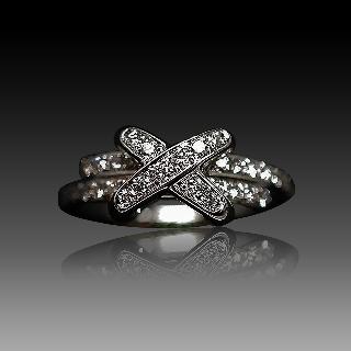 """Bague Chaumet """"Liens croisés Premiers Liens Taille XS"""" or gris 18k diamants. taille 51."""