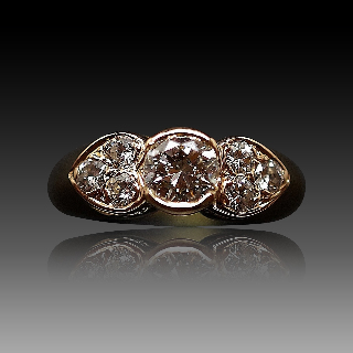 Bague en Or Jaune 18K avec 0.90 Ct de Diamants Brillants .Taille 52.