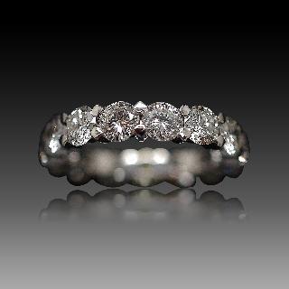 Alliance or gris 18k avec 3,54 Cts de Diamants Brillants G-VS. Taille 51.