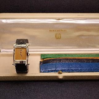 """Montre Boucheron """"Reflet""""  grand modèle à quartz en or jaune 18k ."""
