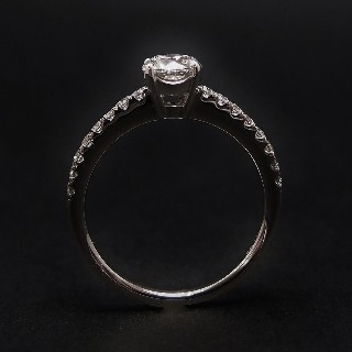Solitaire Diamant 0,70 Cts G-VS2 en Or 18 Cts + 0.22 Cts.