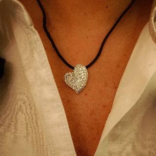 """Pendentif """"Coeur"""" Or Gris 18k et 3.0 carats de Diamants extrablancs."""
