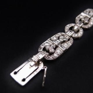 Bracelet Art Déco platine et diamants ronds et baguette , 8 cts, vers 1925