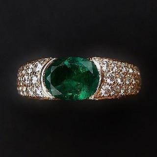 """Bague BOUCHERON """"Anais"""" or jaune 18k Emeraude 1.4 ct et diamants 1.38 ct .Taille 53."""
