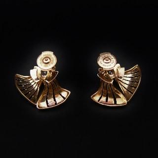 Boucles d'oreilles en or rose 18k avec Diamants Vers 1940. Motif éventail.