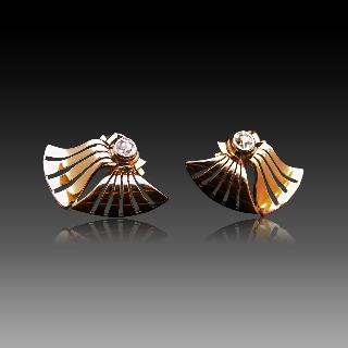Boucles d'oreilles en or jaune 18k et platine avec Diamants Vers 1940. Motif éventail.