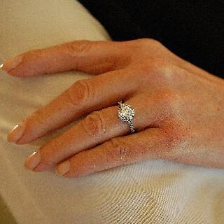 Solitaire en platine avec Diamant brillant 1.05 Cts H-VS2 + 0.37 Cts.