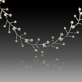 Collier en or gris 18k avec 3,0 Cts de Diamants brillants  .