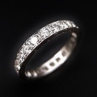 Alliance en platine avec 1.90 Cts de Diamants Brillants G-VS. Taille 55-56