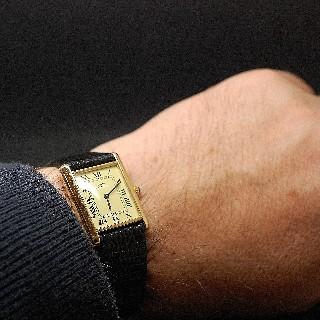 """Montre Cartier homme """"Must Tank"""" Vermeil mécanique de 1980."""