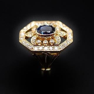 Bague en or jaune 18k avec saphir fin et diamants .Taille 56
