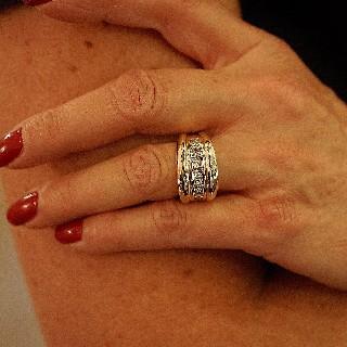 Bague Or Jaune 18K avec 1,30 Cts de Diamants Princesses. Taille 52.