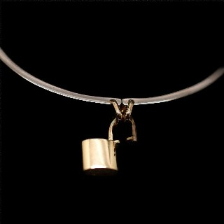 "Bracelet Louis Vuitton en or gris 18k massif  ""Lockit"". Taille 15."