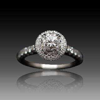 Solitaire en platine avec Diamant brillant 1.01 Cts G-VVS2 + 0.50 Cts.