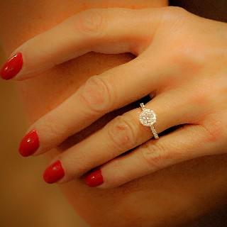 Solitaire en platine avec Diamant brillant 0.66 Cts H-VS2 + 0.30 Cts.