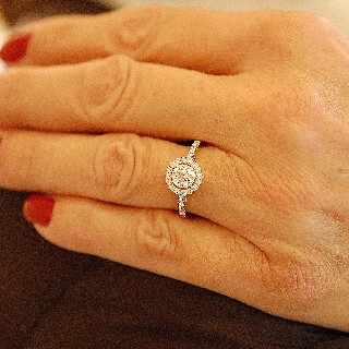 Solitaire en or rose 18 Cts avec Diamant brillant 0,72 Cts F-VS2 + 0.30 Cts.