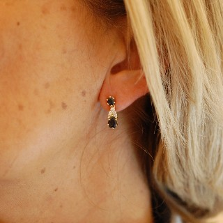 Boucles Oreilles Or 18 Cts avec Diamants et Saphirs.