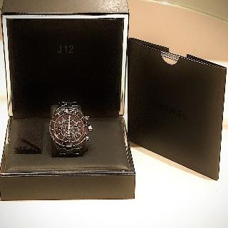 Montre Chanel  J12 Chronographe Céramique noire Automatique 41mm.