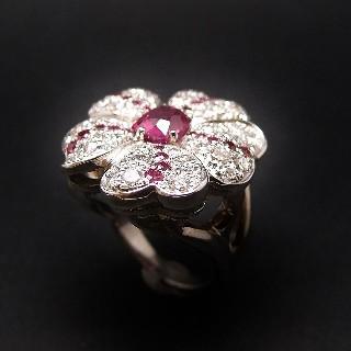 """Bague """"Fleur"""" en or gris 18k avec Saphirs roses et Diamants Extrablancs. Taille 53.5"""