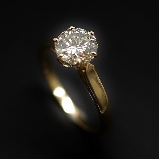 Solitaire Diamant 1.00 Cts H.VS1 en Or 18 Cts . Taille 52-53.